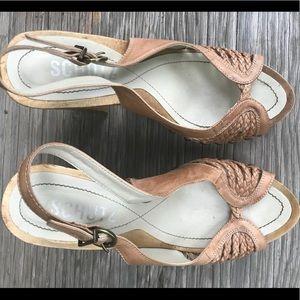 Leather beige heels